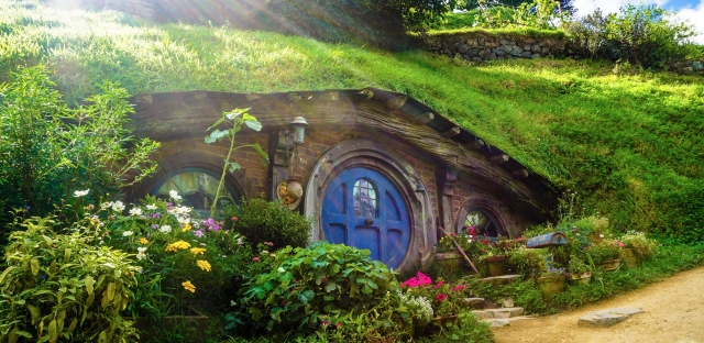 investing-real-estate-hobbit